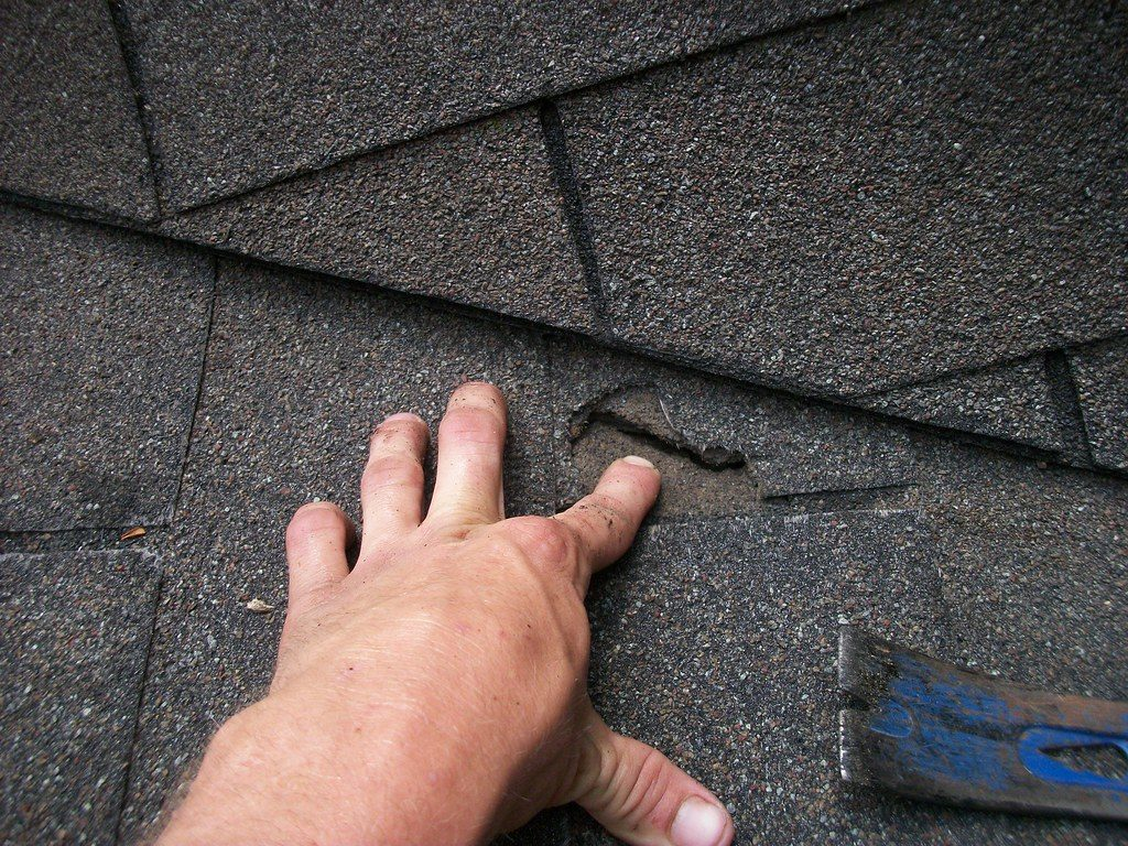 roof inspection and estimate- an absolute must