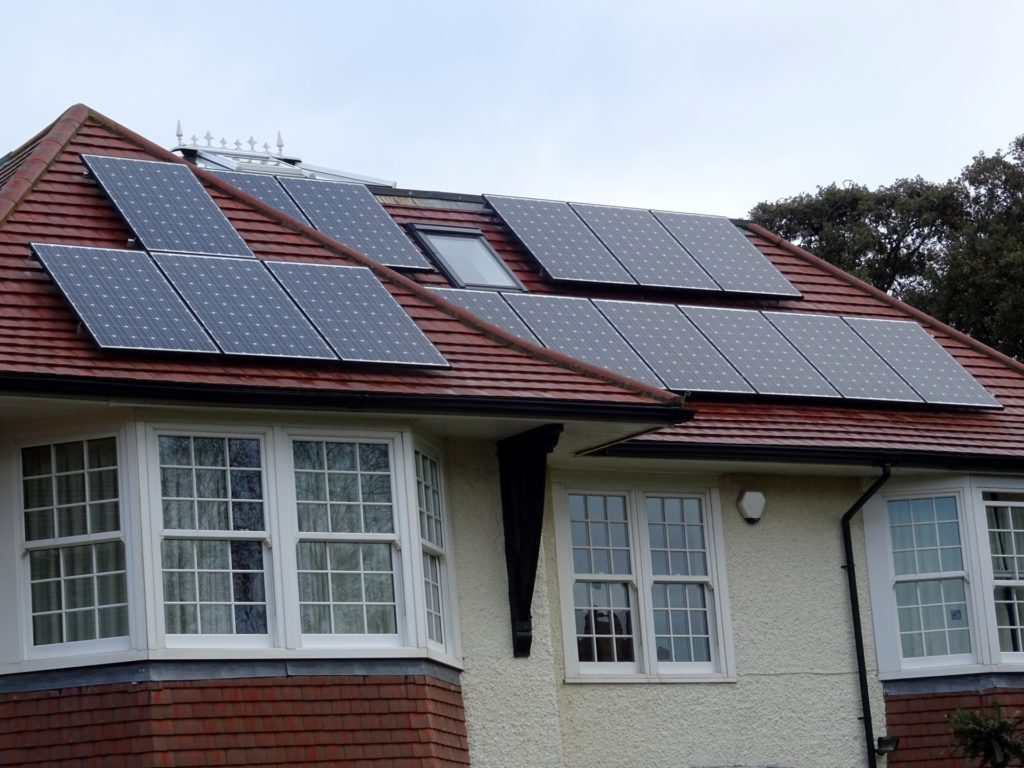 solar panels reduce energy bills