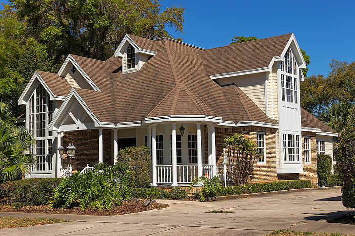 dark-colored roof less energy efficient